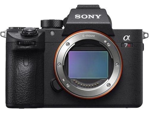 بهترین دوربین ها برای عکاسی عروسی , دوربین Sony a7R III