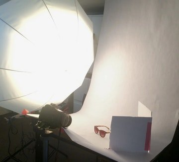 تنظیمات نورپردازی برای عکاسی از عینک آفتابی