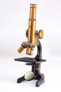 میکروسکوپ JOICO اولین میکروسکوپ طراحی شده توسط شرکت نیکون