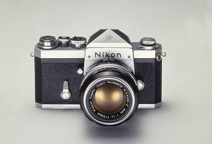 اولین دوربین SLR قابل تعویض لنز Nikon FNikon
