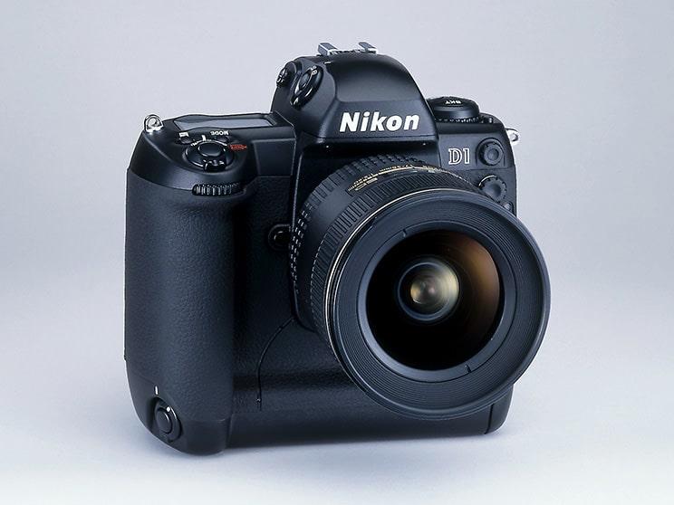 دوربین SLR دیجیتال D1 شرکت نیکون